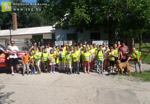 Gyerekek az Orpheus Állatvédő Egyesületnél :)