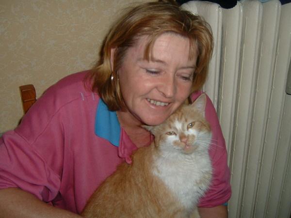 Zuszi  anyukája és cicája Selymes