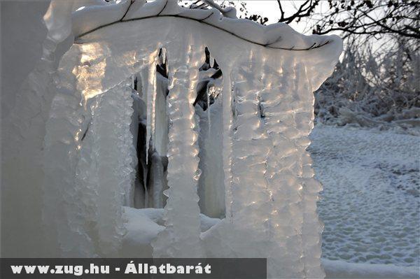 Jégcsapok és jégképzõdmények